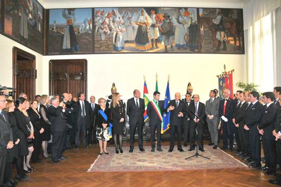 Il presidente G . Napolitano con il sindaco di Cagliari M. Zedda e il presidente della R. A. S., U. Cappellacci.